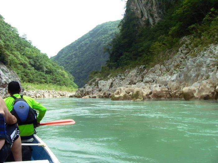 Cascadas de Tamul, im Kanu