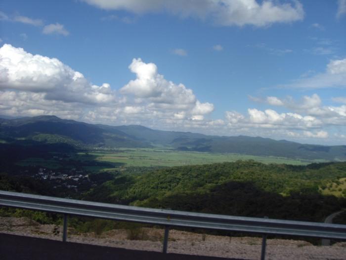 grüne Sierralandschaft