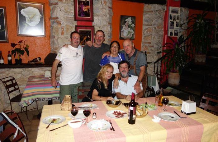 Basiscamp 2 mit Helga und Don Pedro