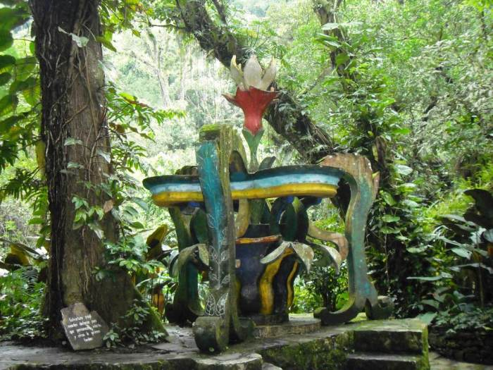 Las Pozas de Xilitla, Blumen-Skulptur
