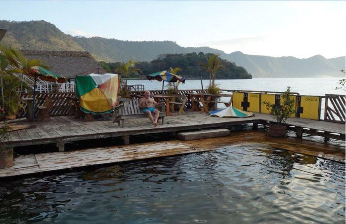 Relaxen im Rancho Alegre, Lago Coatepeque, el Salvador
