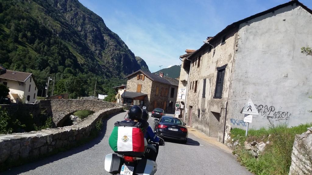 pueblo pireneo