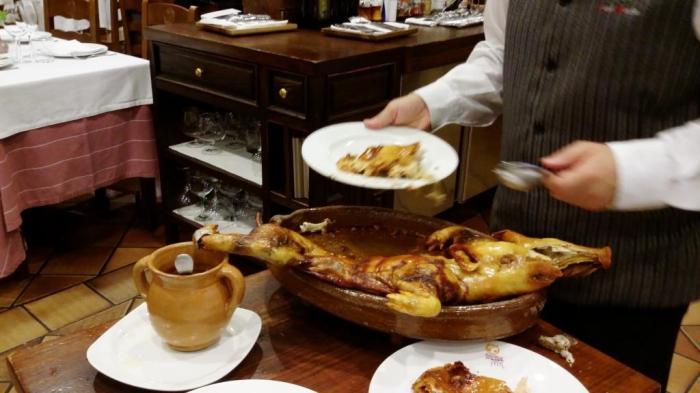 Spanferkel im Restaurant José Mariá, Segovia