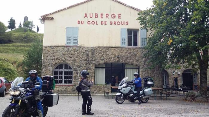 Verschnaufpause am Brouis Pass