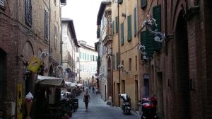 verwinkelte Gassen in Siena