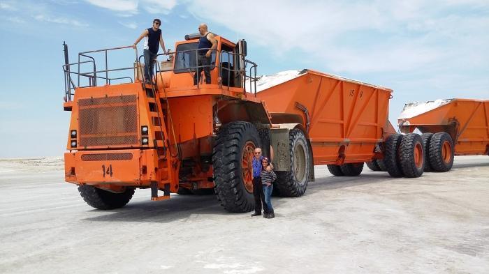 Olo geht auf die Salzreise. Jeder Reifen kostet nur 12 tausend Dollar